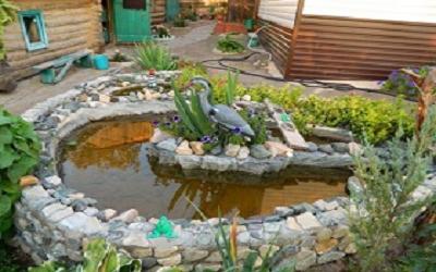как украсить двор частного дома своими руками из подручных материалов