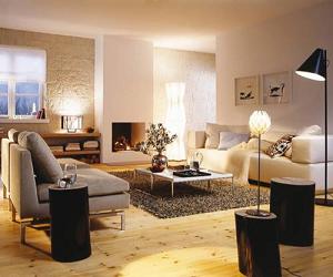 Большая гостиная с камином всегда будет уютной